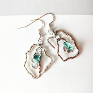 Jewelry - Sterling silver twisted earrings with flourite